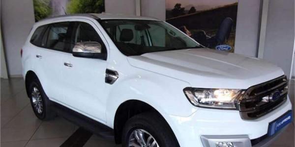 Thuê xe du lịch 7 chỗ Ford Everest tại Đà Nẵng