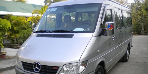 Thuê xe 16 chỗ Mercedes Benz Đà Nẵng