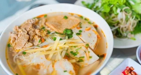 Nên ăn gì ở Đà Nẵng khi du lịch?